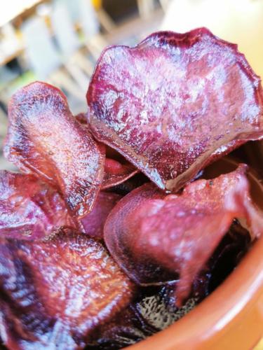 Chips patates douces violettes