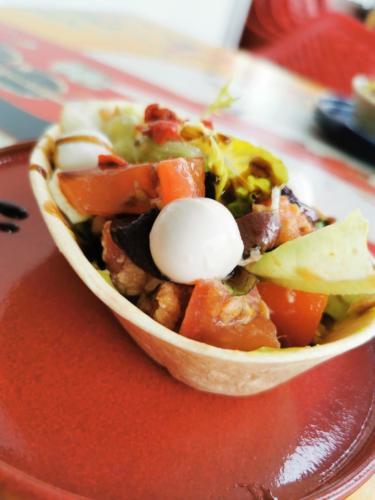 Salade mozza thon tomates guacamole